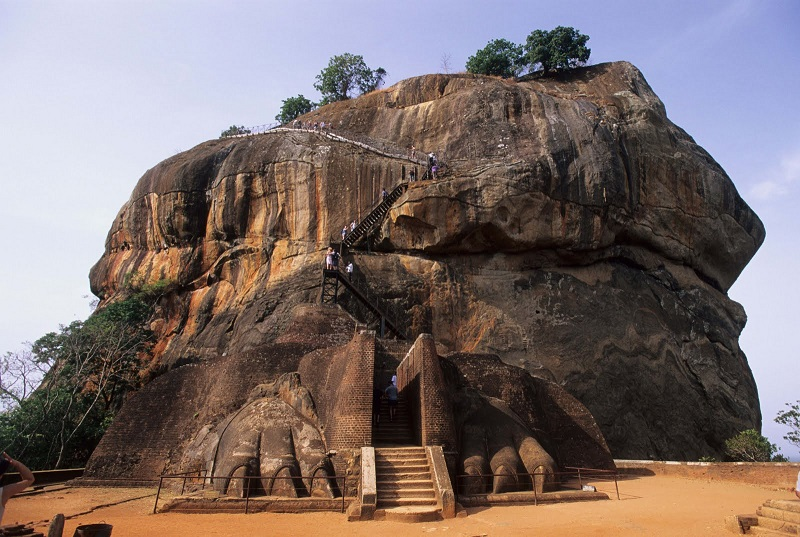 Львиная скала в Сигирии, Шри-Ланка, вход в крепость