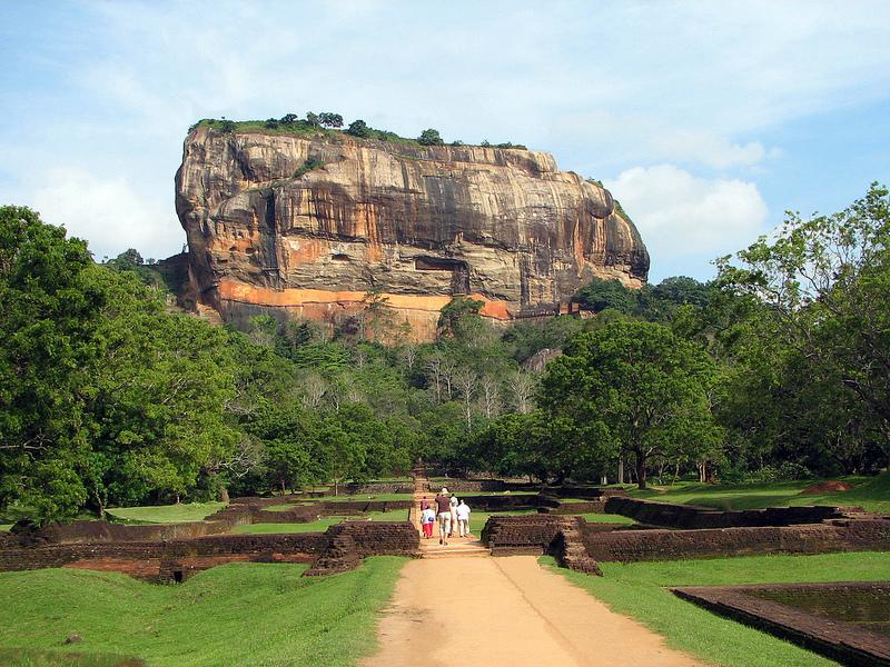 Дворец Кашьяпы в Сигирии, Шри-Ланка