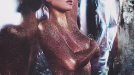 Голая Ким Кардашьян рекламирует свой бренд