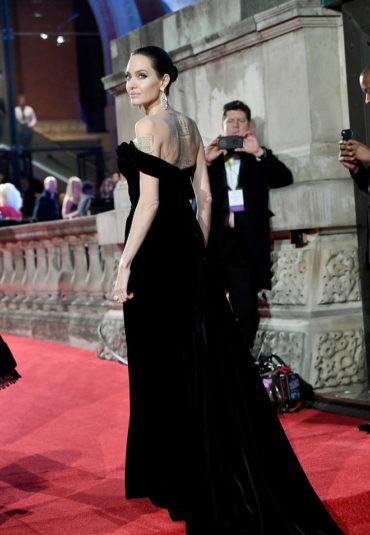 Красная дорожка премии BAFTA-2018: лучшие наряды звезд