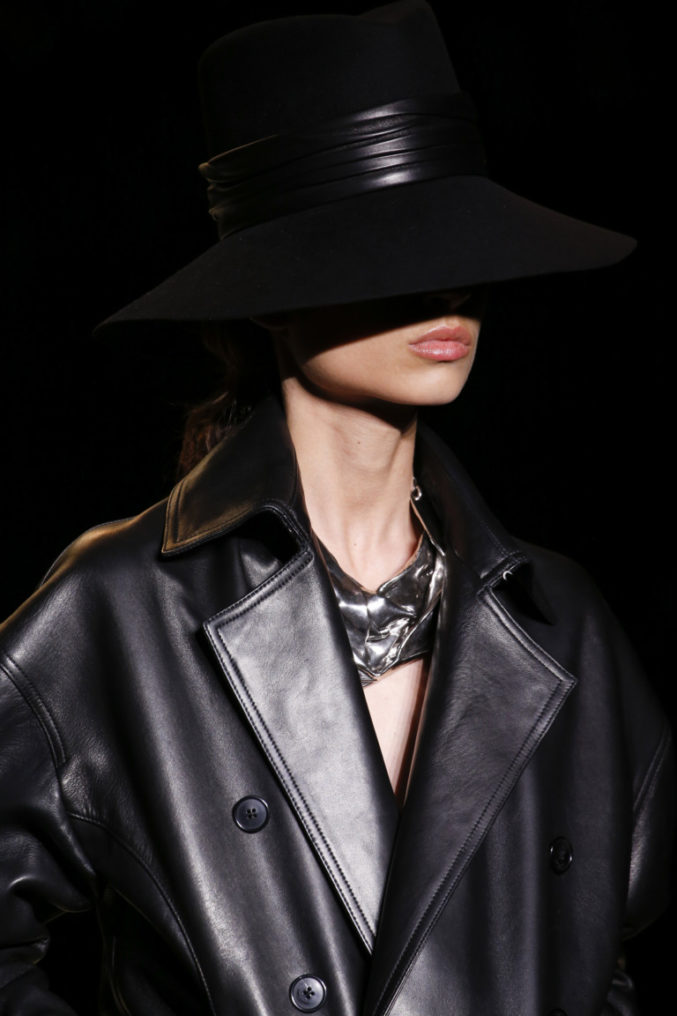 Неделя моды в Париже! Вдохновляемся показом Saint Laurent