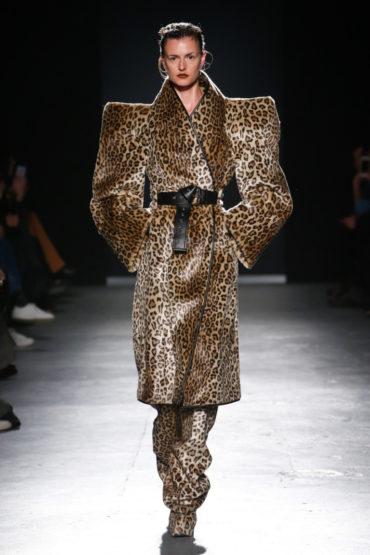 Намек понят! Gareth Pugh на Неделе Моды в Лондоне