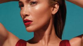 Дженнифер Лопес выпускает свою первую коллекцию косметики