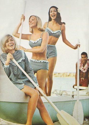 Купальники 1960-х годов снова в моде
