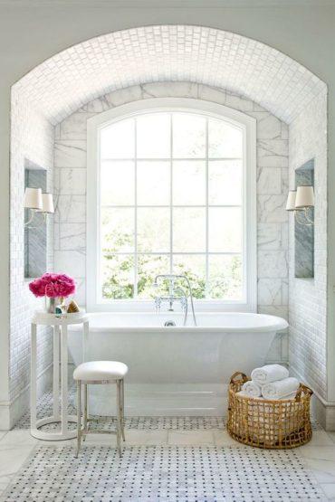Можно ли хранить косметику в ванной?