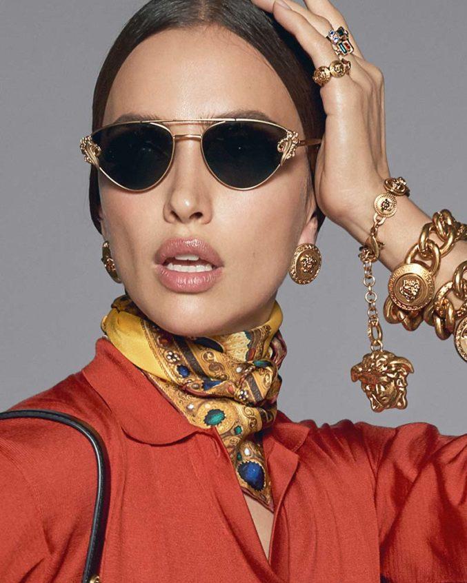 Вы уверены, что правильно произносите Versace? Донателла научит