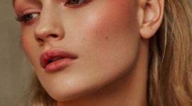 Румянец на щеках в любое время года: 5 способов нанесения румян