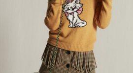 Знаменитые коты из мультфильмов на свитерах Miu Miu