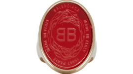 Balenciaga представил кольца-печатки