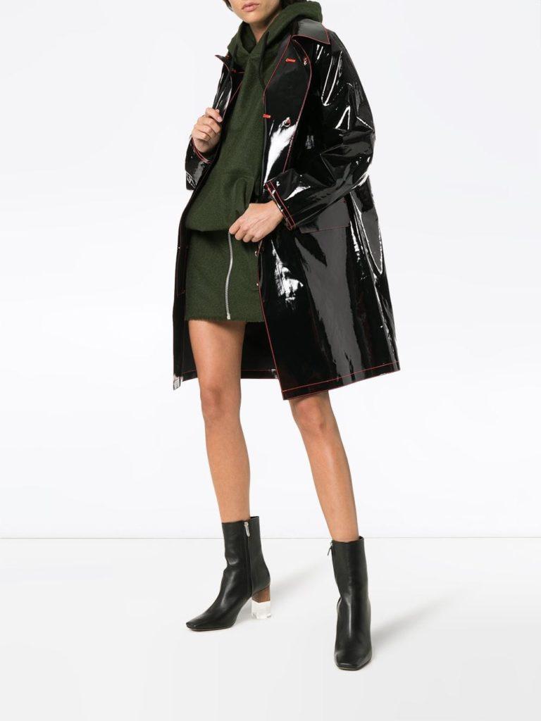 лакированное пальто