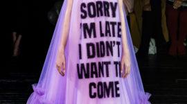 Семь платьев с показа Viktor & Rolf Couture, которые научат говорить правду