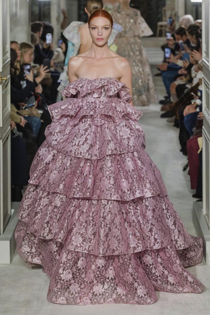 показ неделя моды в париже