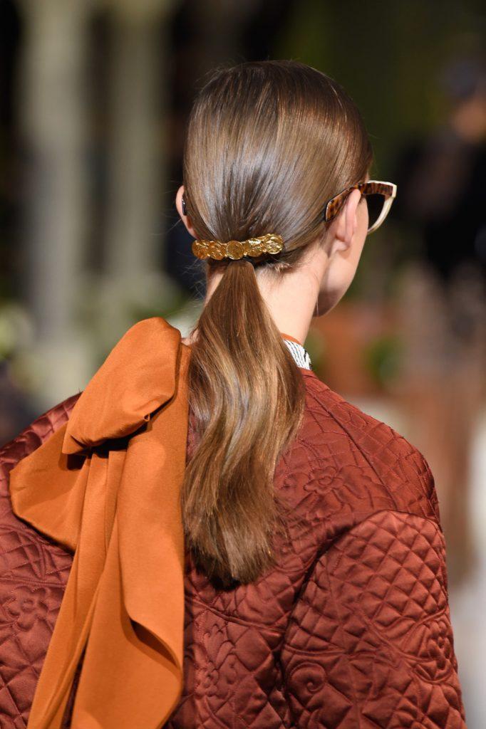 украшения для волос с показа Oscar de la Renta
