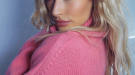 Розовая мечта: лук дня от Хейли Бибер