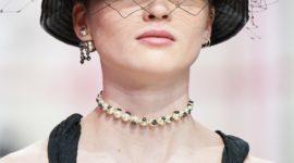 Макияж 60-х годов и шляпки с вуалью: всё о показе Dior Fall 2019