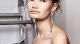 Повторяем макияж со стразами на лице с показа TSUM Fashion Show
