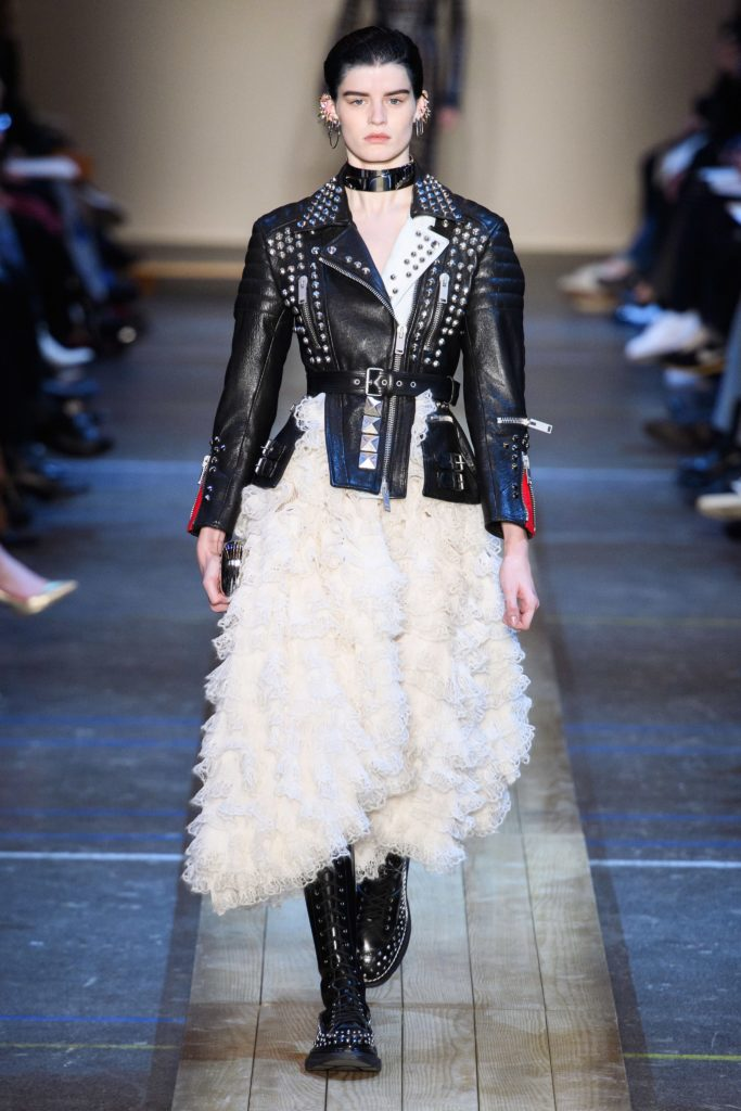 Кожаная куртка от Alexander McQueen