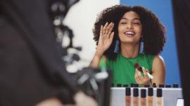 Яра Шахиди – новое лицо косметики Bobbi Brown