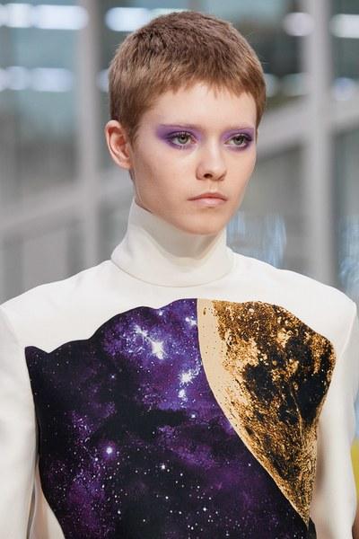 макияж с показа Valentino Fall 2019