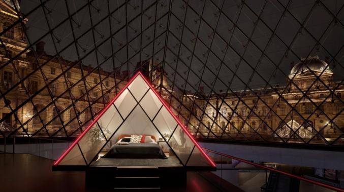 Ночь в Лувре: новый конкурс от Airbnb