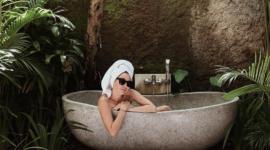 Визажист Александра Кириенко поделилась своими секретами ухода за кожей во время отпуска