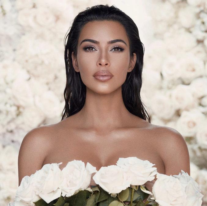 Ким Кардашьян создала коллекцию свадебной косметики «Mrs. West»