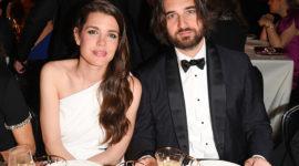 Современное свадебное платье: в чем вышла замуж Шарлотта Казираги?