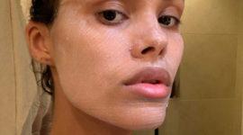 Тина Кунаки показала свою любимую маску для лица