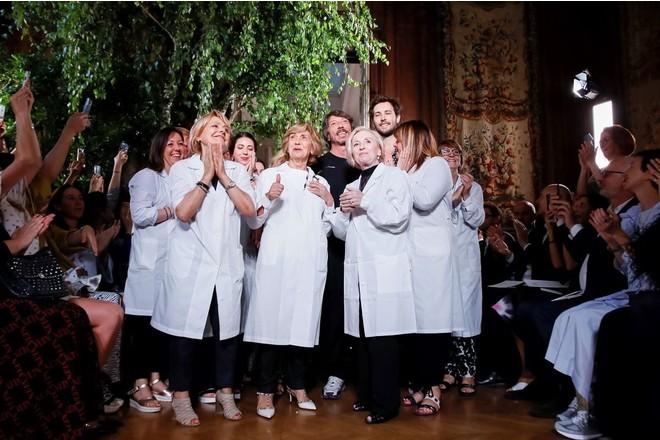 Райский сад на показе Valentino Haute Couture: текстуры и благодарность команде