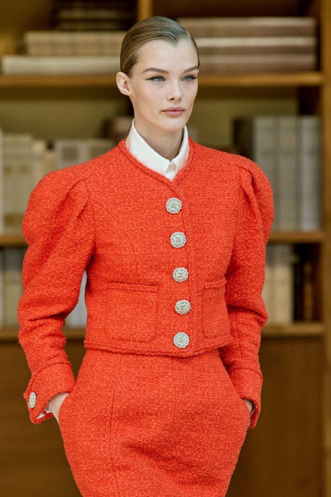 оранжевый пиджак Шанель