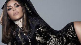 Ким Кардашьян создала коллекцию средств для макияжа в стиле 90-х