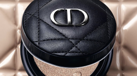 Модная перезагрузка: Dior представил тональное средство в кожаном футляре