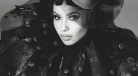 Зои Кравиц приняла участие в создании косметики для YSL Beauty