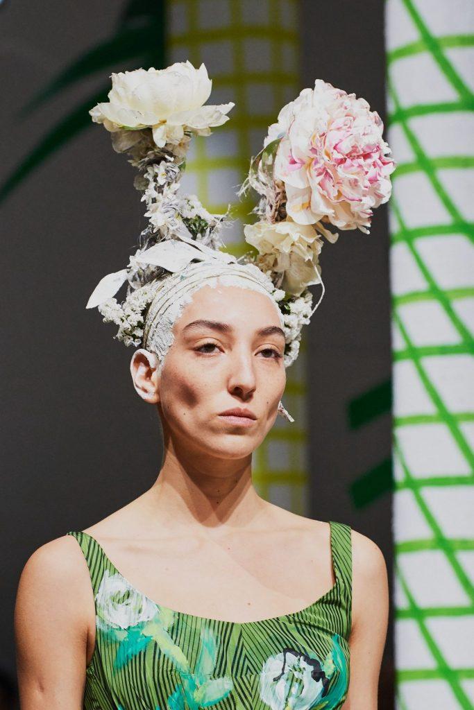 цветы на голове, Marni