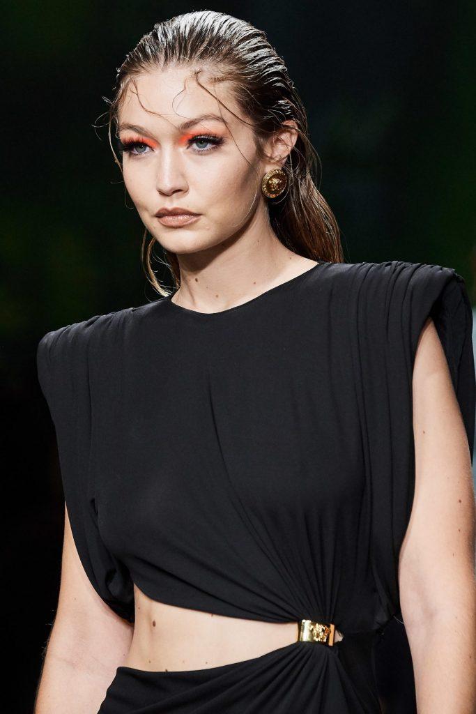 Джиджи Хадид, Versace
