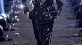 Неделя моды в Париже в оттенках чёрного: показ Saint Laurent