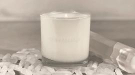 Ким Кардашьян выпускает ароматическую свечу KKW