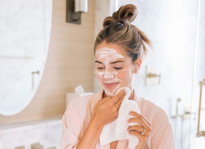 Домашние маски для лица: 6 рецептов от всех проблем