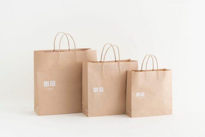 Uniqlo продолжает экологическую инициативу с новыми бумажными пакетами