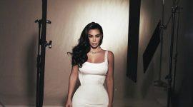 Новогодняя коллекция Ким Кардашьян: возвращаемся в 90-е