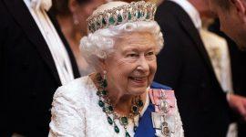 Елизавета II и Кейт Миддлтон вышли в свет в «русских» тиарах