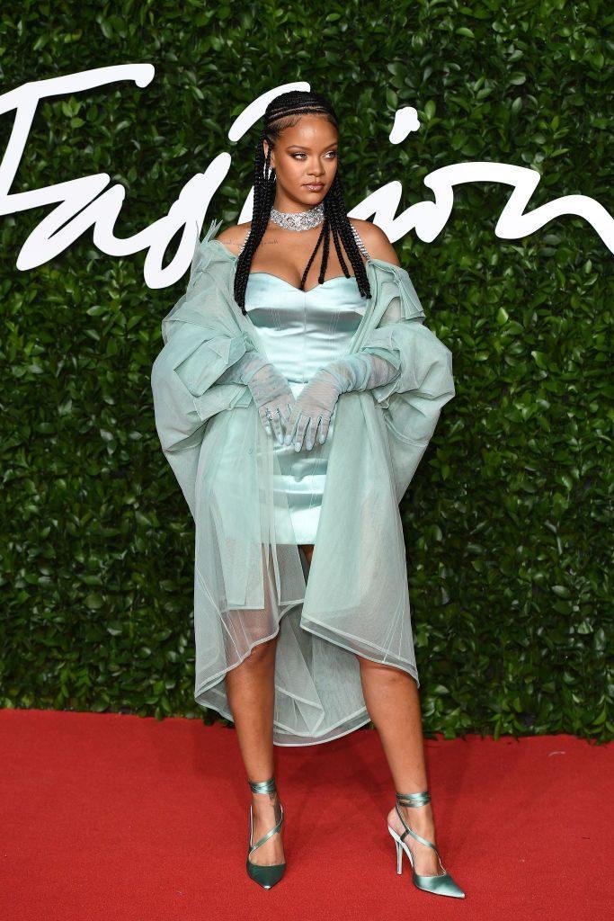 Рианна, Fenty, мятное платье
