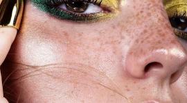 Колористика: что такое цветовой круг и как он связан с макияжем