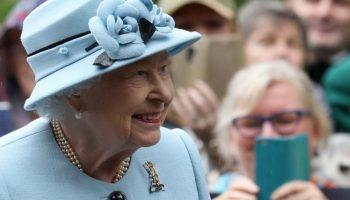 королева Елизавета, Мегзит
