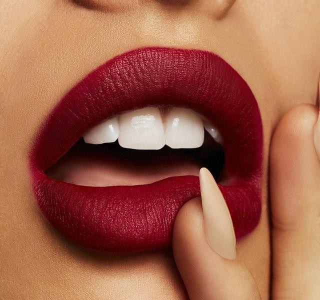 Карандаш для губ MAC