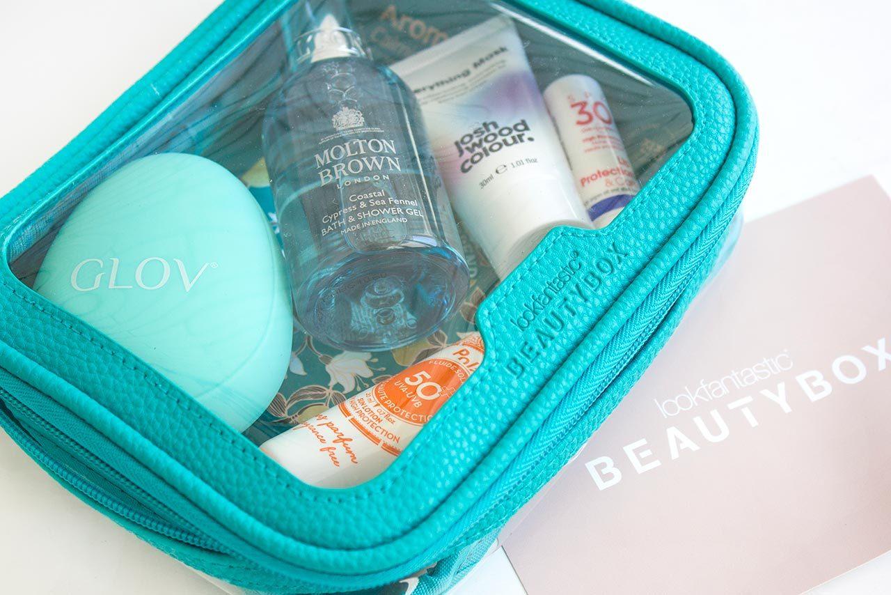 косметичка Lookfantastic Beauty Box июнь 2020