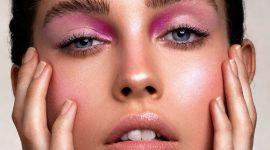 Яркий розовый образ с продуктами KVD