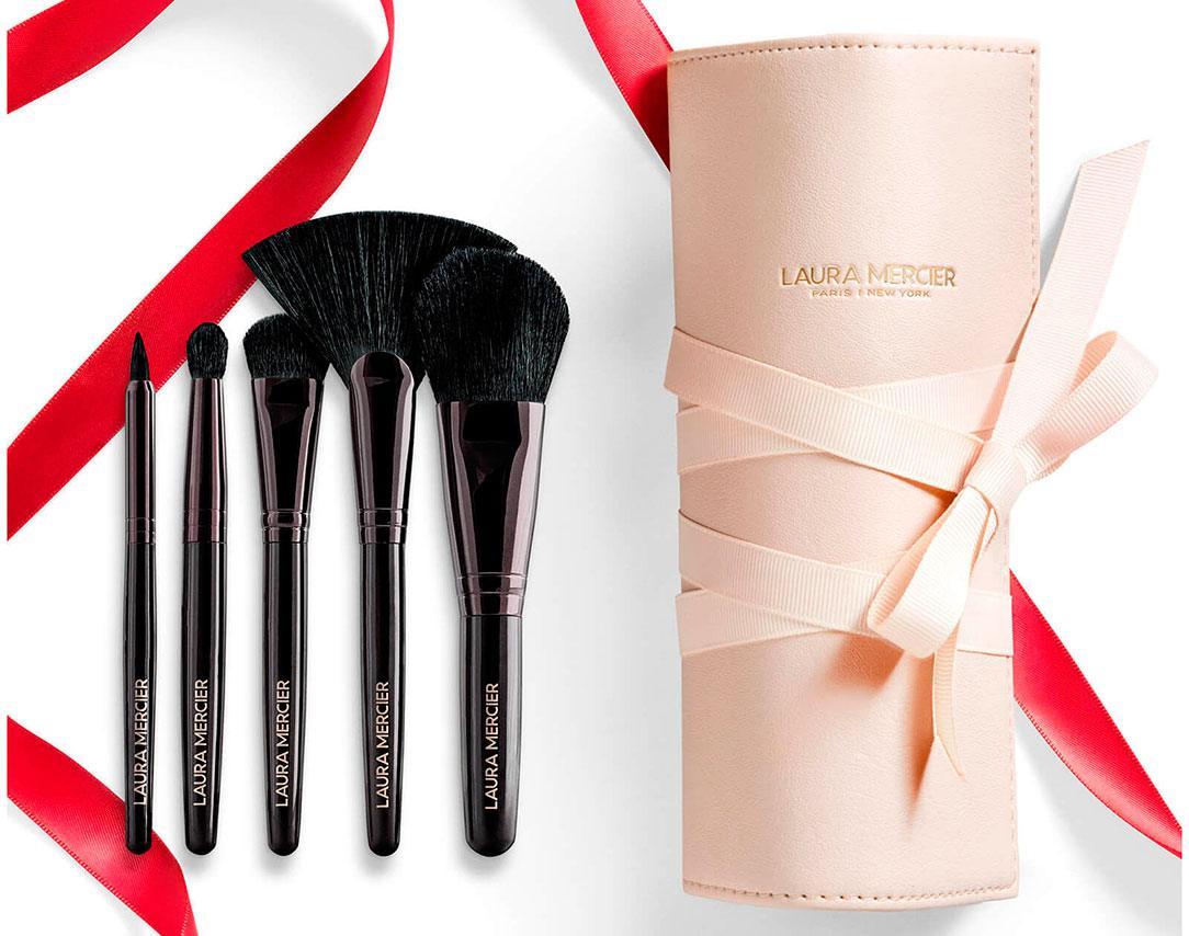 Laura Mercier Sweeping Beauty Essential Brush Collection - Рождественская коллекция Laura Mercier 2020