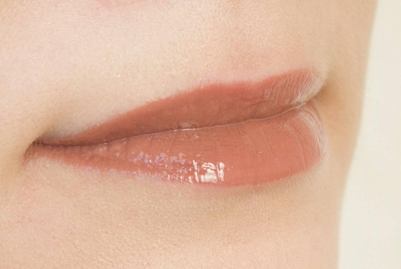 оттенок Mocha на губах
