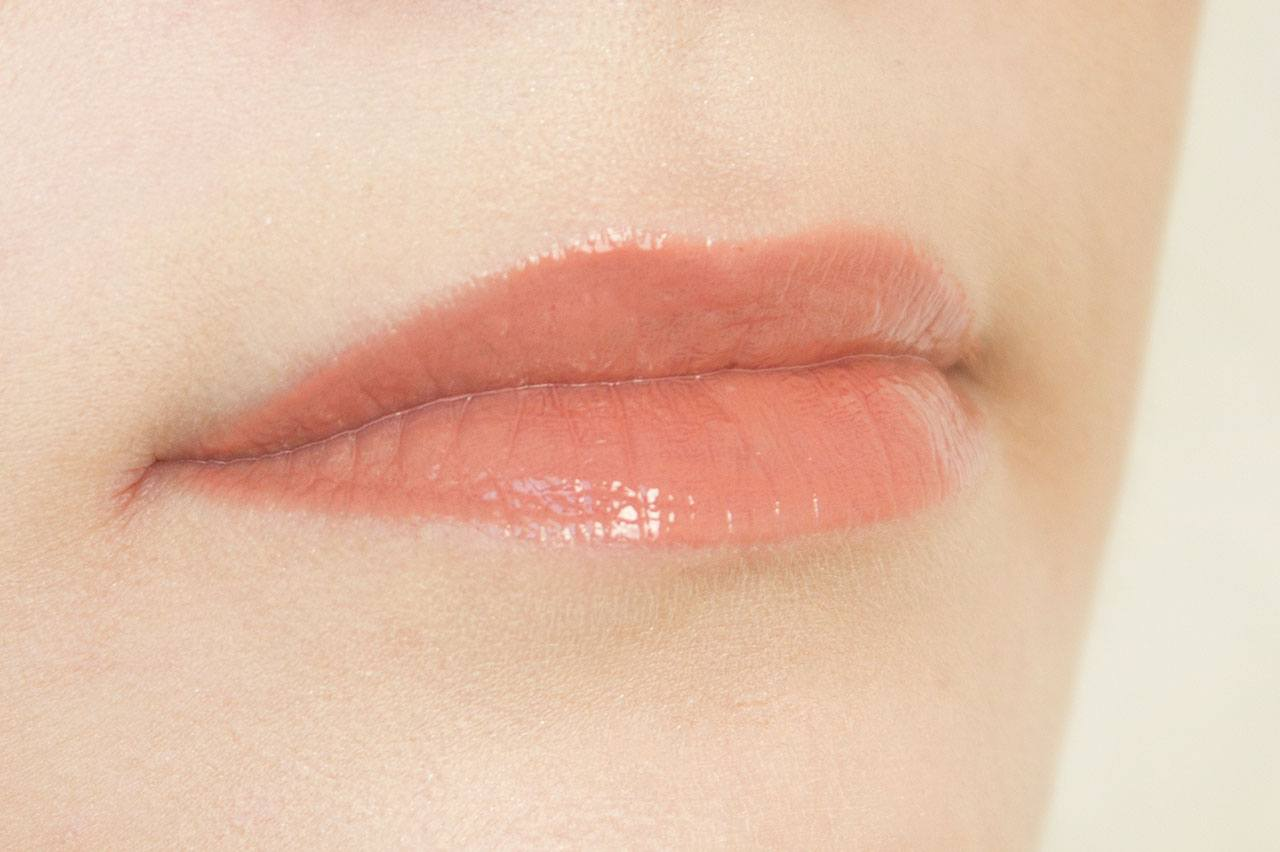 оттенок Slippers на губах